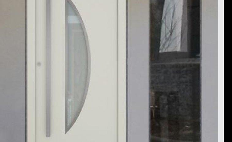 Drzwi zewnętrzne białe 3